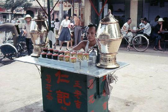 Ảnh độc đáo về hàng quán giải khát trên vỉa hè Sài Gòn xưa - Ảnh 6.