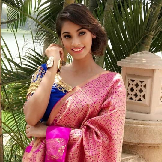 Tân Hoa hậu Ấn Độ: Mạnh mẽ nhờ mẹ! - Ảnh 5.