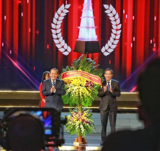 Tổng Bí thư, Chủ tịch nước dự Lễ trao Giải Báo chí Quốc gia - Ảnh 5.