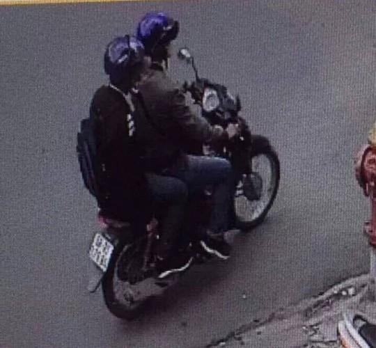 Tạm giữ một thanh niên trong vụ nổ trước công an phường - Ảnh 1.