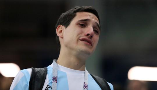 Argentina: Khóc nữa mà chi! - Ảnh 1.
