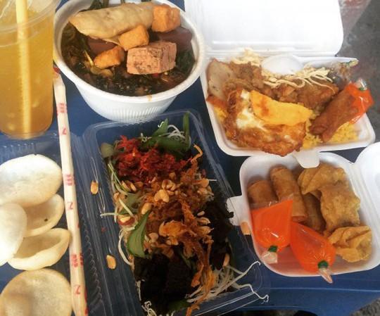 Khám phá 4 đặc khu ăn vặt hot nhất Sài Gòn - Ảnh 5.