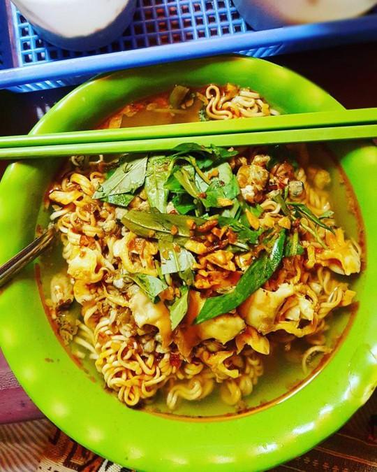 Khám phá 4 đặc khu ăn vặt hot nhất Sài Gòn - Ảnh 7.