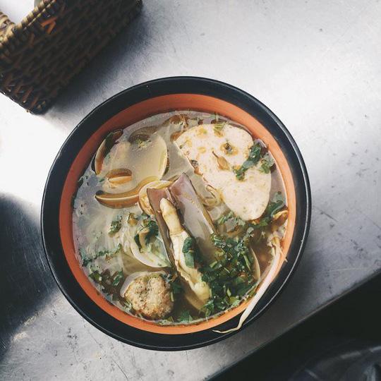 Khám phá 4 đặc khu ăn vặt hot nhất Sài Gòn - Ảnh 11.