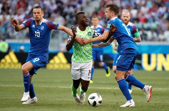 Tan tác Iceland, đại bàng xanh Nigeria tung cánh - Ảnh 4.