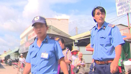 VTV Cần Thơ yêu cầu xử lý nghiêm nhóm bảo vệ dọa đánh phóng viên - Ảnh 1.