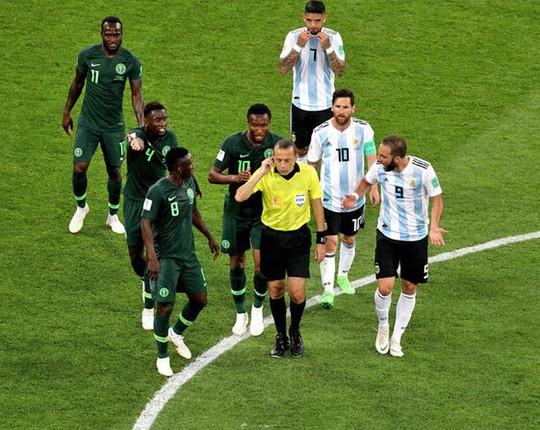 Drogba: Trọng tài không muốn Argentina bị loại - Ảnh 2.