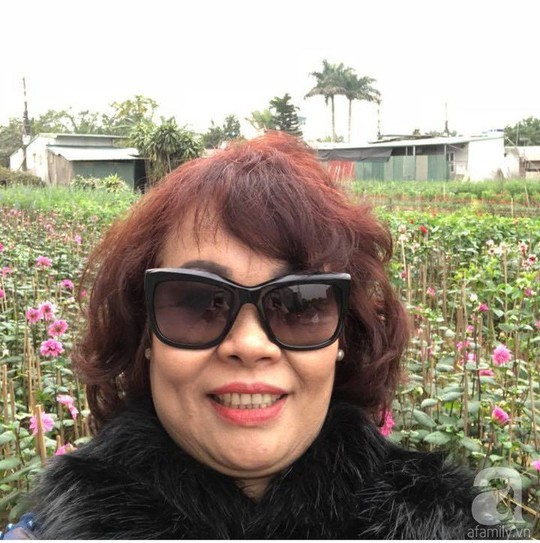Khu vườn rộng 500m² với hàng trăm gốc hồng đẹp rực rỡ - Ảnh 4.