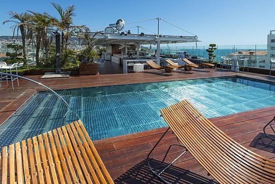 Khách sạn 34 triệu đô của Messi bên bờ biển Địa Trung Hải - Ảnh 6.