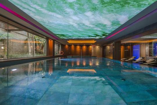 Khách sạn 34 triệu đô của Messi bên bờ biển Địa Trung Hải - Ảnh 8.
