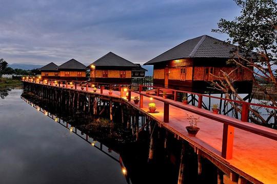 Khách sạn trên sông độc đáo cho những kẻ mộng mơ - Ảnh 9.