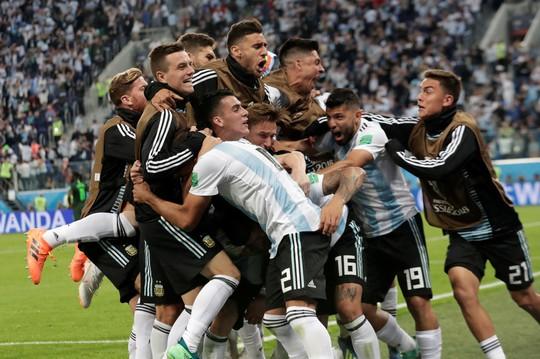 Iceland trắng tay, Argentina đoạt vé nghẹt thở trước Nigeria - Ảnh 15.