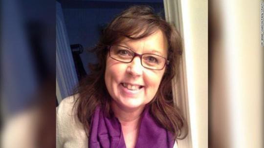 Cô giáo bị ung thư có di nguyện viếng ba lô thay hoa - Ảnh 3.