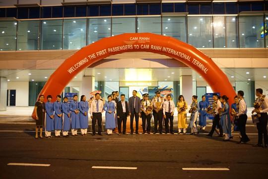 Vietnam Airlines khai thác nhà ga mới hình tổ yến tại sân bay Cam Ranh - Ảnh 1.