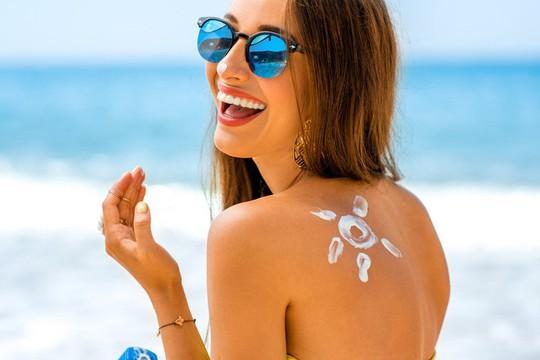 Đi du lịch gặp nắng nóng nên làm gì? - Ảnh 2.