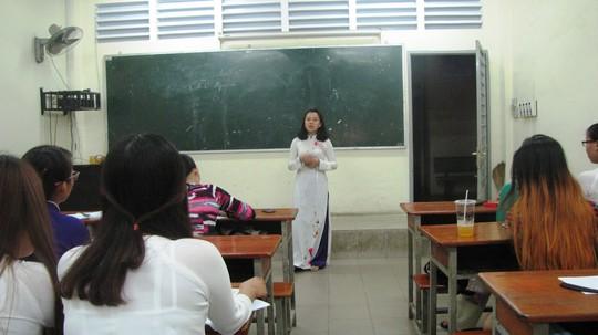 Nhà giáo tương lai xử lý tình huống giao tiếp khó đỡ - Ảnh 1.