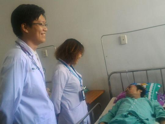 100 ống thuốc hồi dương cứu sống người ngưng tim hơn 1 giờ - Ảnh 1.