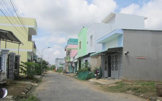 Đầu tư xây nhà trọ cho thuê nở rộ ở vùng ven TP HCM - Ảnh 1.