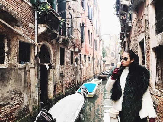 Venice đẹp như giấc mơ trong loạt ảnh check-in của sao Việt - Ảnh 2.