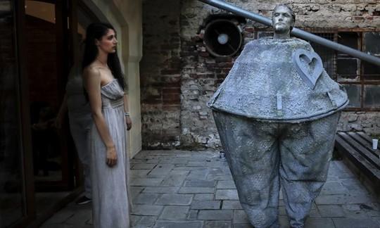 Đến Bucharest khám phá Lễ hội tượng sống đặc sắc - Ảnh 12.