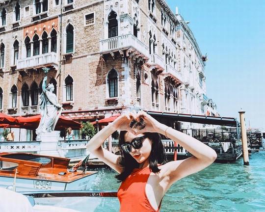 Venice đẹp như giấc mơ trong loạt ảnh check-in của sao Việt - Ảnh 3.