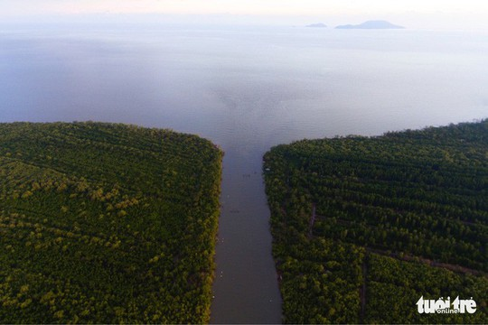 Ngắm khu dự trữ sinh quyển thế giới Mũi Cà Mau từ trên cao - Ảnh 5.