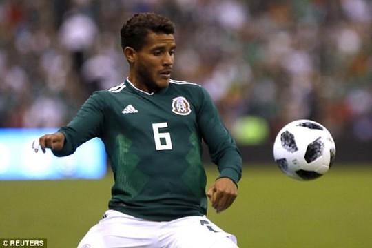 8 tuyển thủ Mexico dính nghi án thác loạn với 30 gái gọi trước World Cup - Ảnh 4.