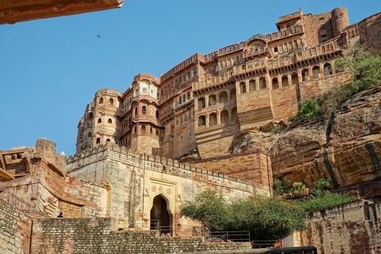 Thành bang bốn màu ở Ấn Độ - điểm đến rực rỡ cho mùa hè - Ảnh 3.