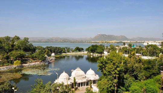 Thành bang bốn màu ở Ấn Độ - điểm đến rực rỡ cho mùa hè - Ảnh 6.