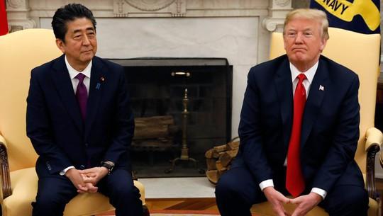 Nhận lá thư ấm áp, Tổng thống Trump muốn mời ông Kim Jong-un đến Nhà Trắng - Ảnh 1.