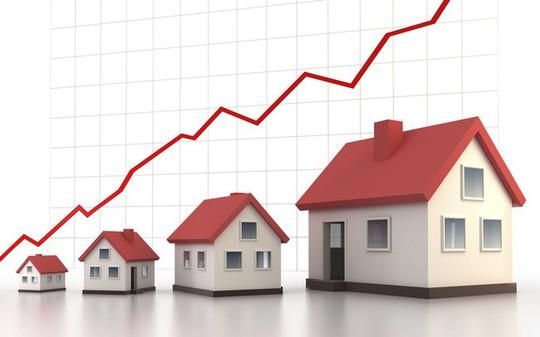 Nhiều ngân hàng vào cuộc tăng lãi suất tín dụng bất động sản - Ảnh 1.