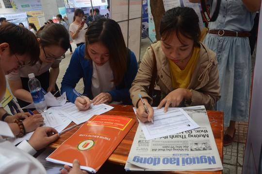 Gần 100 doanh nghiệp tham gia ngày hội việc làm tại Đà Nẵng - Ảnh 3.