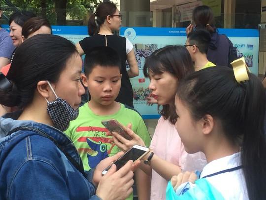 Chen chân thi vào lớp 6 Trường Nguyễn Tất Thành: 1 chọi 11 - Ảnh 3.