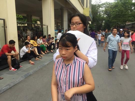 Chen chân thi vào lớp 6 Trường Nguyễn Tất Thành: 1 chọi 11 - Ảnh 5.