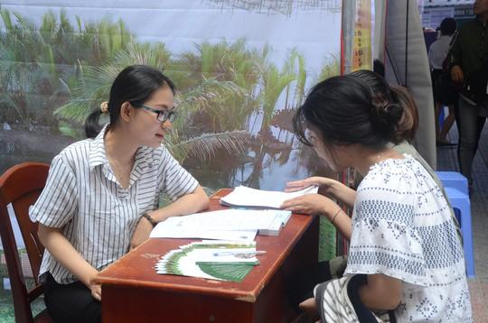 Gần 100 doanh nghiệp tham gia ngày hội việc làm tại Đà Nẵng - Ảnh 5.