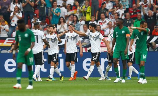 Xe tăng Đức càn phá, Ả Rập Saudi lập hat-trick thua - Ảnh 5.