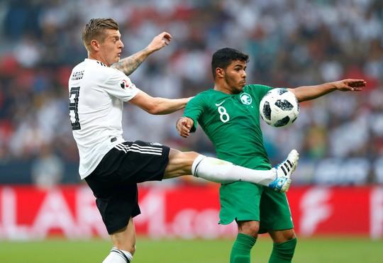 Xe tăng Đức càn phá, Ả Rập Saudi lập hat-trick thua - Ảnh 4.