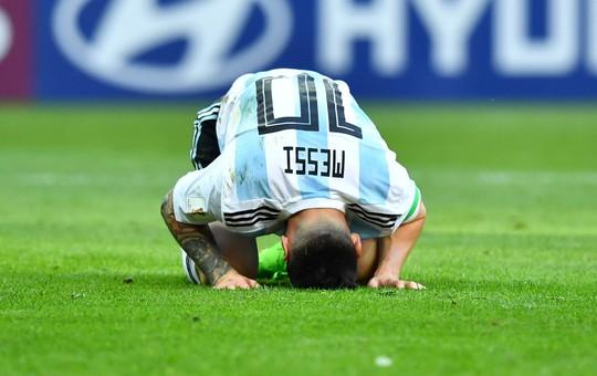 Thanh xuân không dành cho Messi - Ảnh 1.