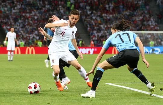 Cavani tiễn Ronaldo về nước - Ảnh 2.