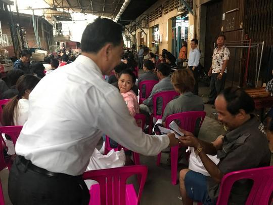 Cháy lớn thiêu rụi nhà cửa hơn 60 gia đình Campuchia gốc Việt - Ảnh 10.