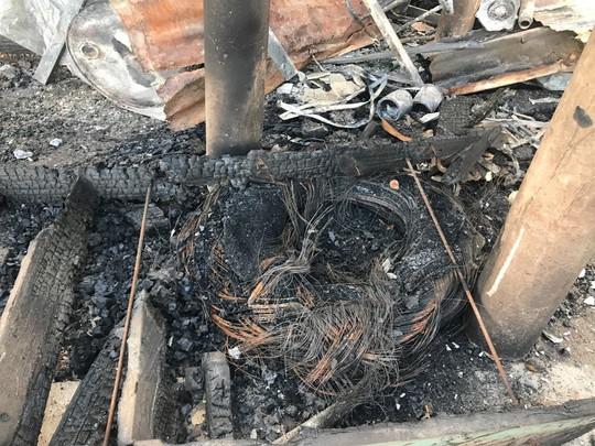Cháy lớn thiêu rụi nhà cửa hơn 60 gia đình Campuchia gốc Việt - Ảnh 5.