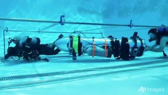 Tỉ phú Musk cùng tàu ngầm thiếu nhi sẵn sàng sát hang Tham Luang - Ảnh 1.