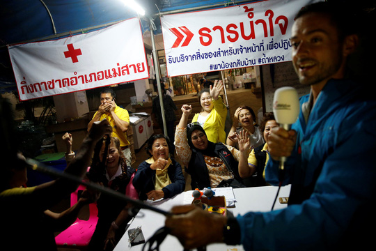 Giải cứu đội bóng mắc kẹt: Thái Lan thở phào... - Ảnh 6.