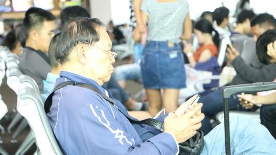 Người Lao Động tường thuật từ bệnh viện điều trị đội bóng mắc kẹt - Ảnh 7.