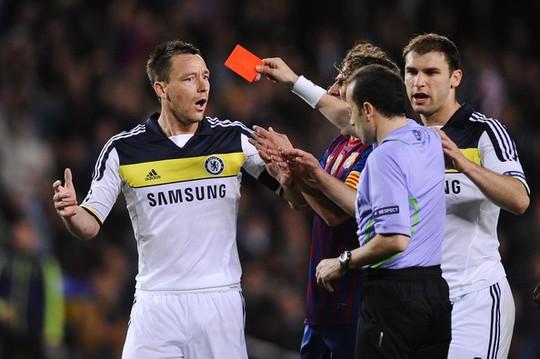 Trọng tài trận Anh - Croatia không thích cầu thủ Anh? - Ảnh 1.