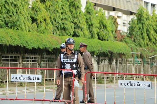 Người Lao Động tường thuật từ bệnh viện điều trị đội bóng mắc kẹt - Ảnh 4.