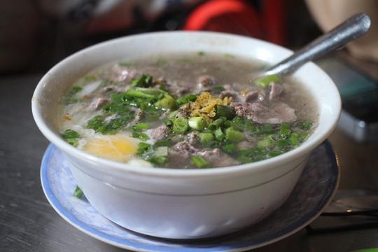 Gợi ý 10 tiệm ăn đêm nhộn nhịp sau 23 giờ ở Sài Gòn - Ảnh 3.
