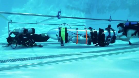 """Giải cứu đội bóng mắc kẹt: Tỉ phú Elon Musk nói về tàu ngầm bị """"thất sủng"""" - Ảnh 1."""