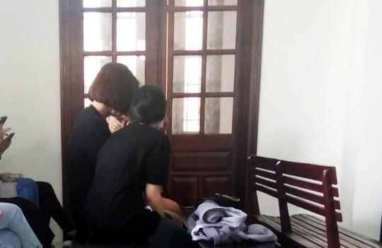 Đồng loạt sinh con, tú bà đường dây hoa hậu bán dâm thoát án tù giam - Ảnh 1.