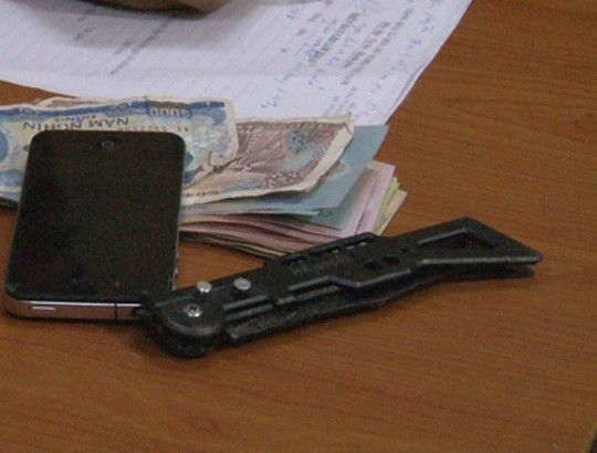 Thiếu niên 16 tuổi đâm người cướp tiền vì nợ 2 triệu đồng - Ảnh 2.